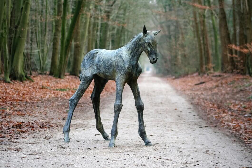 Horse sculpture foal life size bronze foal sculpture La Vie en Rose