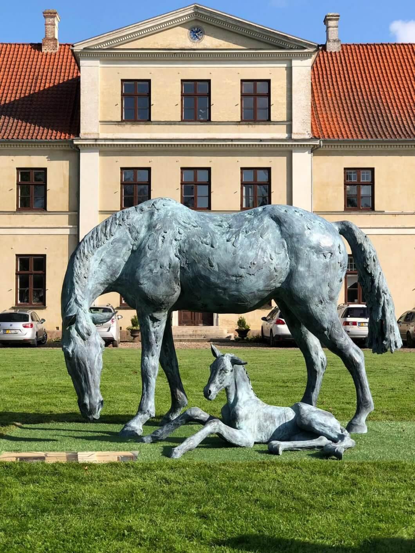 Equestrian life size sculpture bronze Vilhelmsborg Danmark Horse sculpture